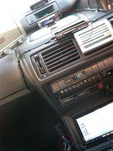 UMPCの電源を、車載アダプターで供給