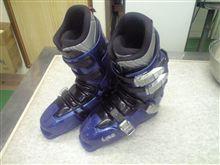 落札したブーツ、初滑りにして滑納め...(#/__)/