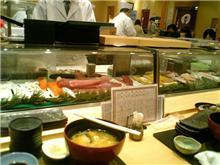 回らないお寿司【でも安い】