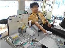 生まれて初めての献血へ+カラーバンド