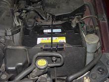バッテリーを換え、アクセラに乗る。