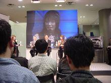 チームトムス監督関谷正徳氏とタレント眞鍋かをりさん、新型V6を語る!