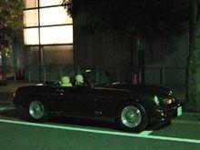 真夜中の,都心で,オープンカー