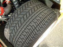 フェラーリに装着するタイヤ(PI)