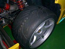 フェラーリに装着するタイヤ(YH)