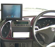 ライバル登場 「Mac Mini Auto」