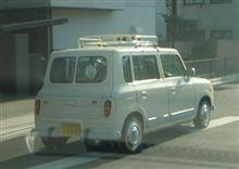 外車でありながら黄色いナンバー・・・( ̄∇ ̄|||)・・・。