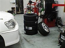 タイヤを交換してきました。