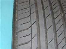 タイヤのパターンノイズ