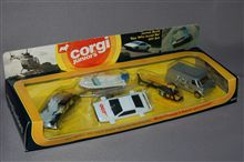 コーギーJr 007私を愛したスパイ ギフトセット、