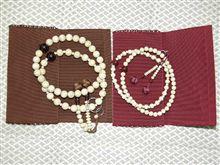 """数珠を新調しましたΩ\(-""""""""-)"""