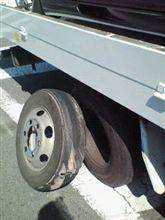 タイヤ破壊してばかり