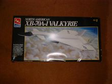 AMT 1/72 NORTH AMERICAN XB-70A-1 VALKYRIE