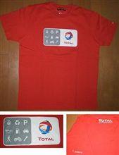 ユニクロの企業コラボTシャツ「TOTAL」