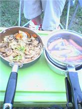盆旅行でキャンプ料理