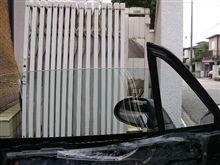助手席の窓を修理 けど・・・