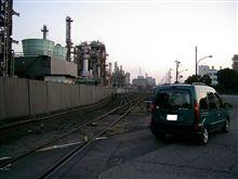 千鳥町埠頭の工場地帯