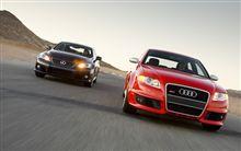 Lexus IS-FとAudi RS4はどっちが評価が高いのでしょうか?