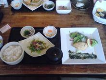 今日も海湘丸で昼ご飯