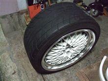 タイヤはめてみた。