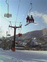 今日は絶好なスキー日和となりました。