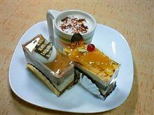 ケーキでも食べませんか?