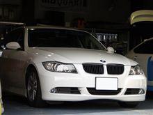 BMW E90 バックカメラ 埋め込み加工