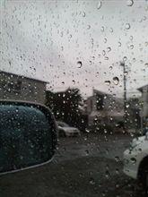 どしゃ降りの雨(^^;)