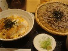 そばと鶏カツ丼のセット(右衛門)