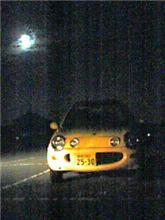 黄色いキャロルと 月