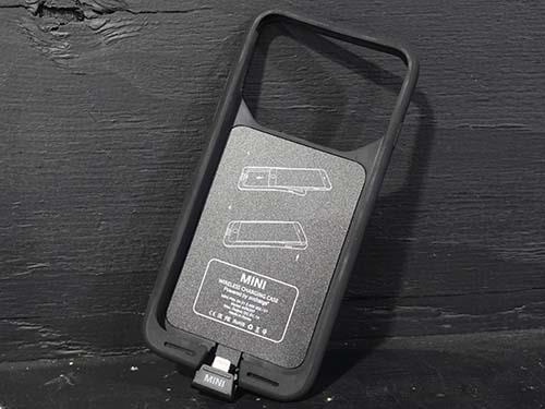 310b4a408f MINI用の純正部品になります。 スマホカバーにワイヤレス充電が可能になる機能があり、カバーに付属のLightning端子をiPhone7に挿し ...