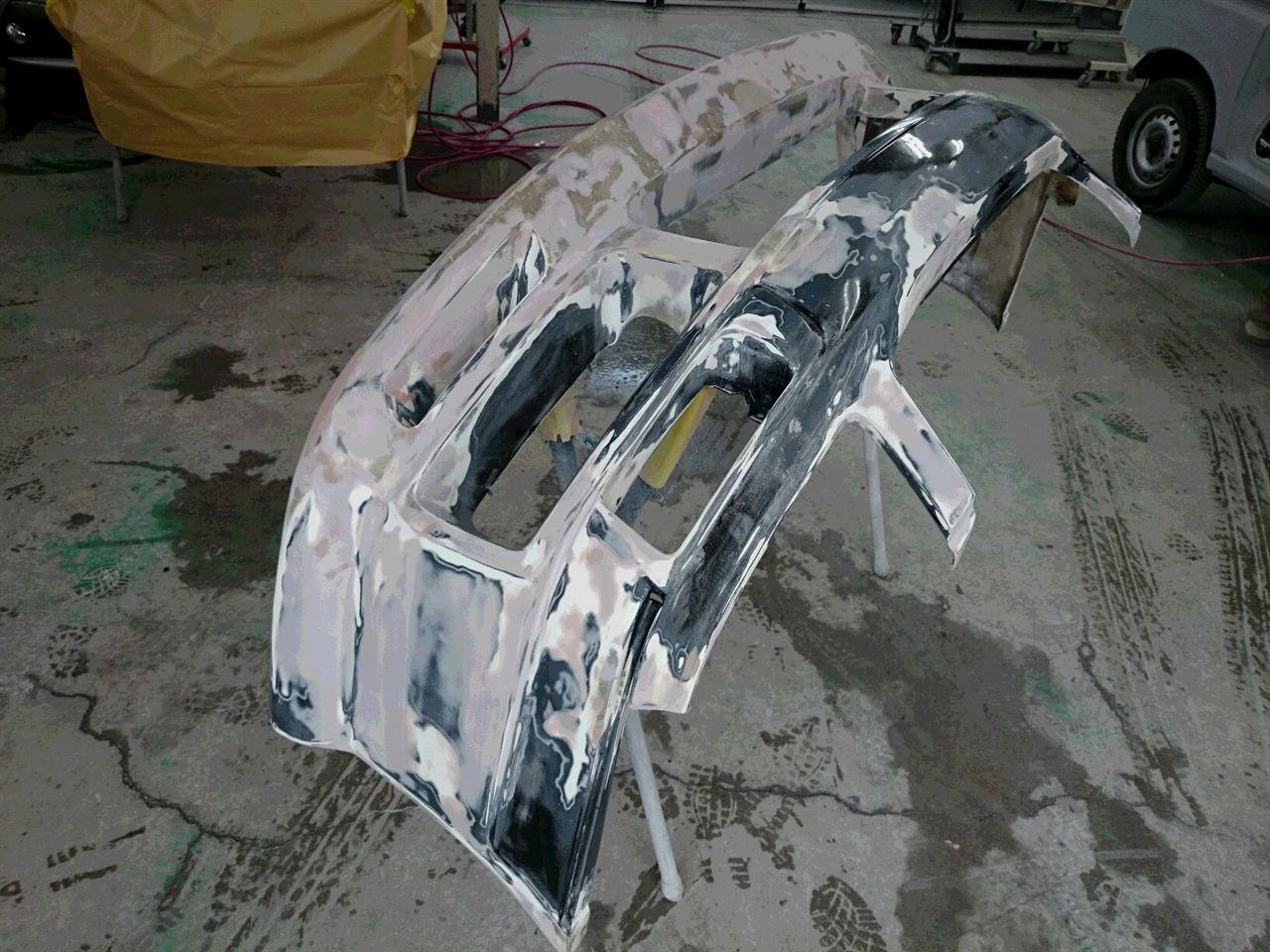 東京都立川市の車の板金塗装修理工場 ガレージローライドの日産 ステージアのエアロパーツ 修理 塗装 です。