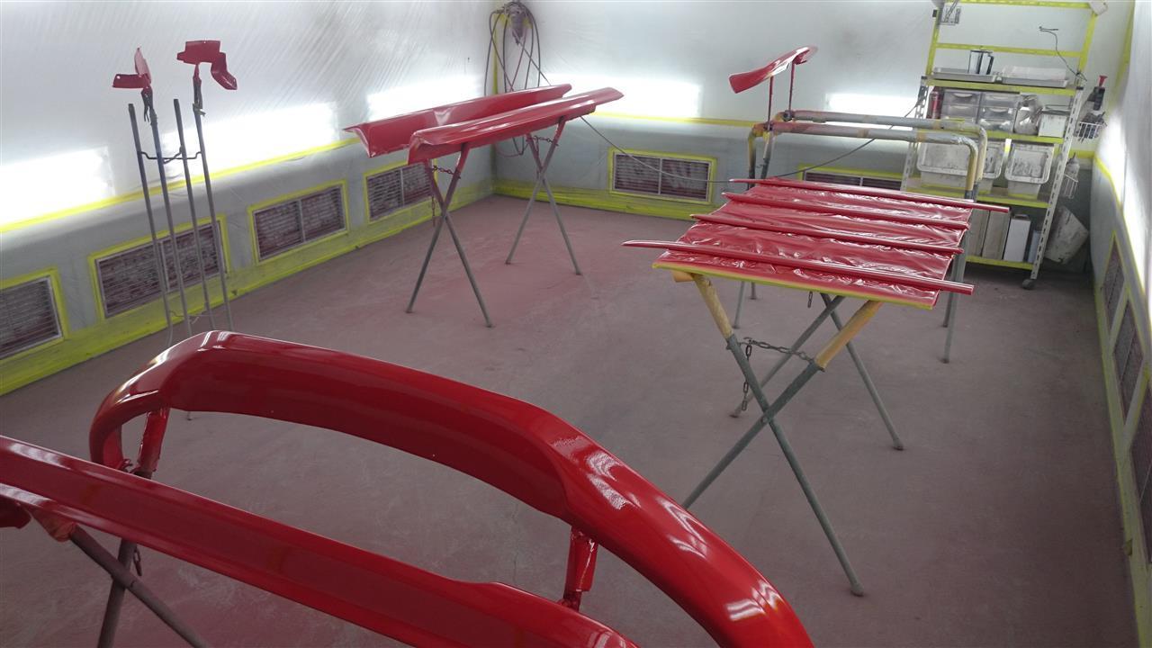 東京都立川市の車の板金塗装修理工場 ガレージローライドのオペル ザフィーラのエアロパーツ塗装 取付です。