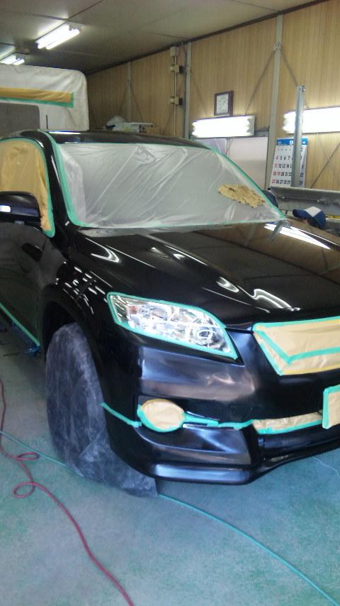 東京都 立川市の板金塗装工場 ガレージローライドのトヨタ ヴァンガード の新車のボディー磨き&ガラスコーティング ハイモースコートです。