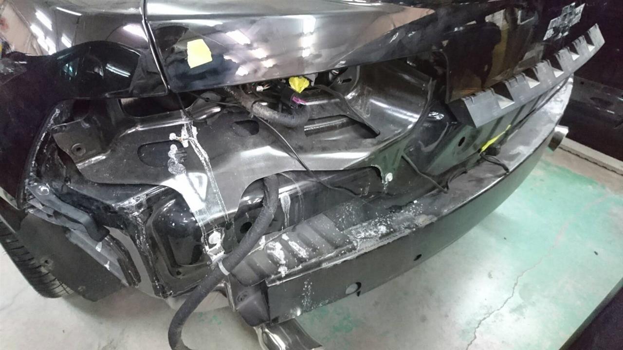 立川市の車の板金塗装修理工場 ガレージローライドのGM シボレー カマロのオールペイント オールペン 全塗装 です。