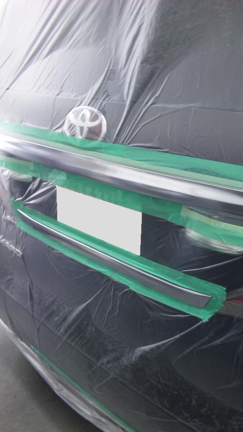 東京都の板金塗装工場 ガレージローライドによる トヨタ アルファードのカスタムペイントです。