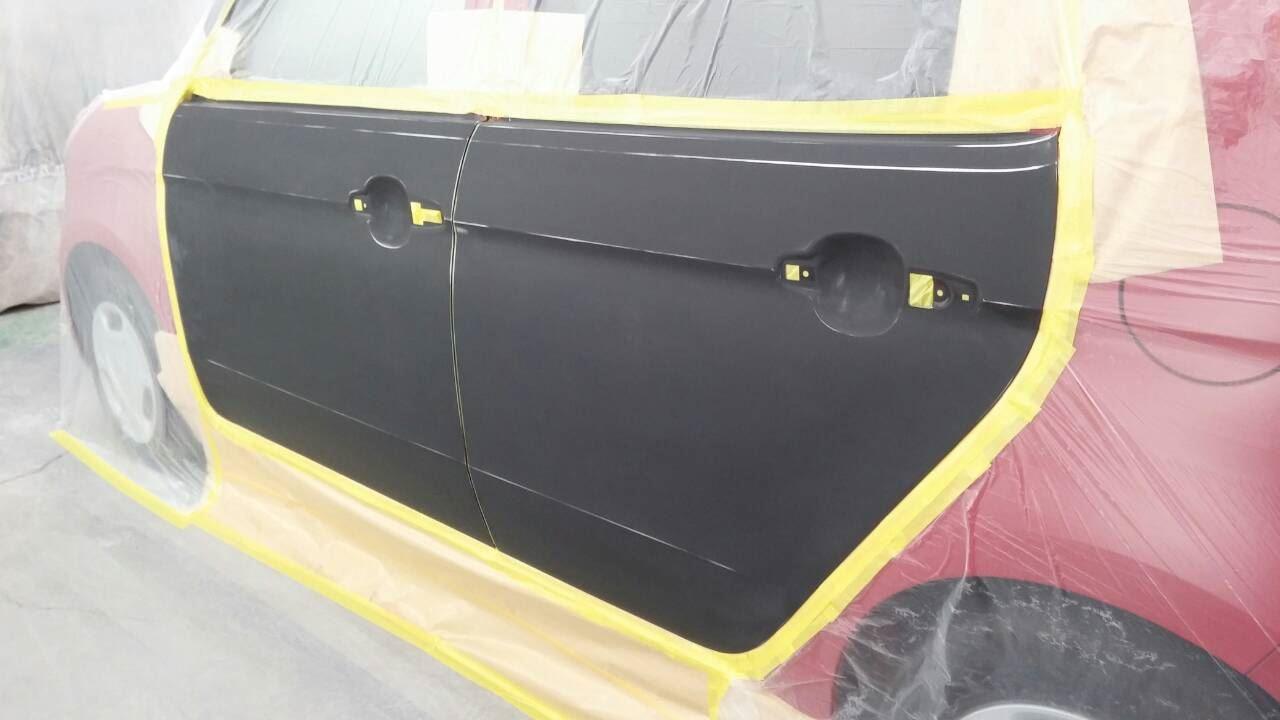東京都立川市の車の板金塗装修理工場 ガレージローライドのホンダ N-1の左側面のキズ へこみ の板金 修理 塗装 です。