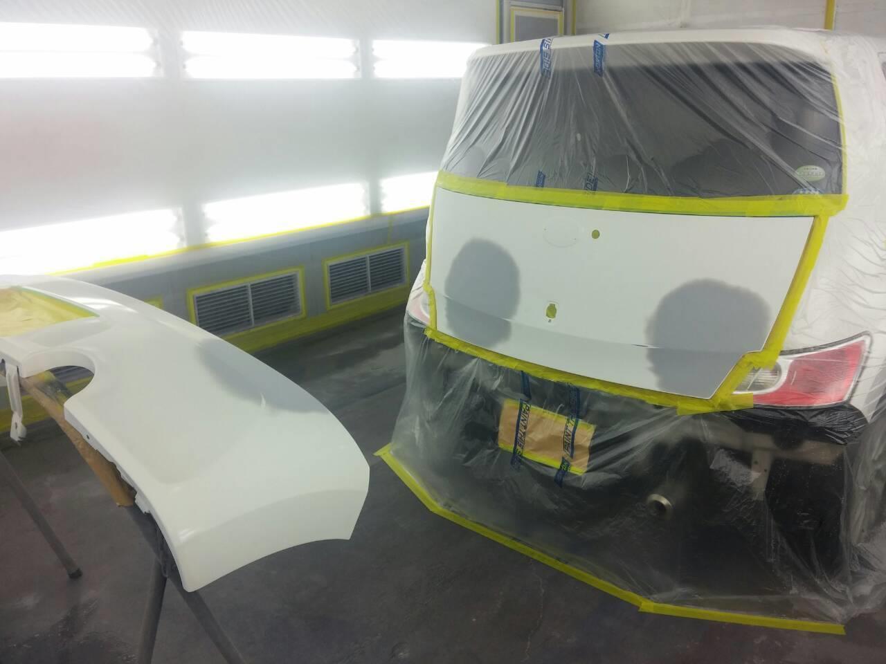 東京都立川市の車の板金塗装修理工場 ガレージローライドのトヨタ bBのリヤまわりのキズ へこみ の板金 修理 塗装 です。