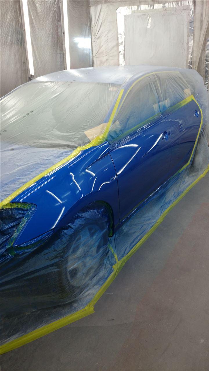 東京都立川市の車の板金塗装修理工場 ガレージローライドのトヨタ カルディナの左側面のキズ へこみ の板金 修理 塗装 です。