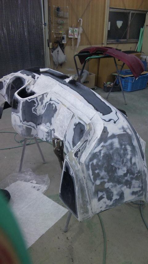 東京都立川市の車の板金塗装修理工場 ガレージローライドのトヨタ セリカのFRP製リヤバンパー の板金 修理 塗装 です。