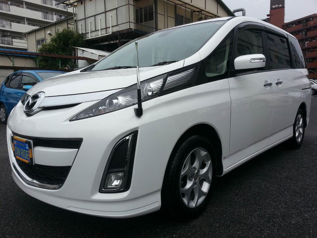 東京都立川市の車の板金塗装修理工場 ガレージローライドのマツダ ビアンテの両側面のキズ へこみ の板金 修理 塗装 です。