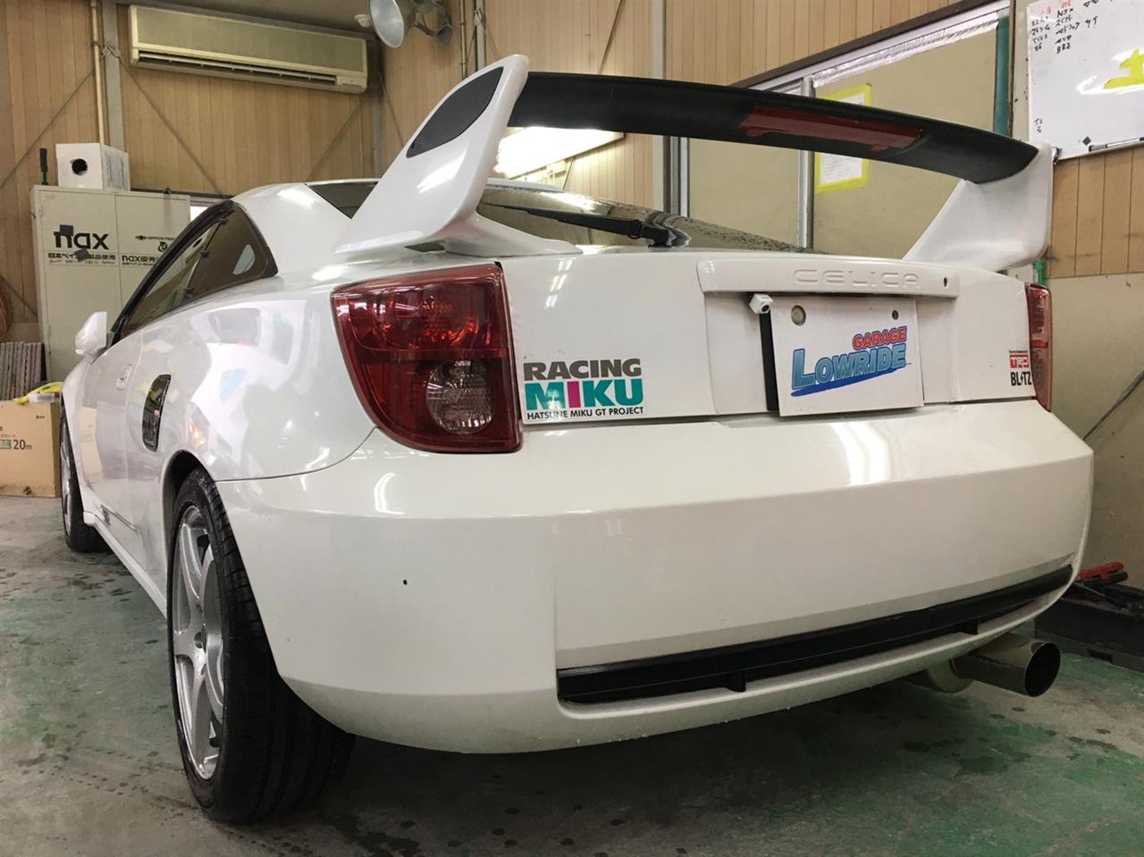 立川市の車の板金塗装修理工場 ガレージローライドの持込品エアロパーツ塗装・取り付けです。