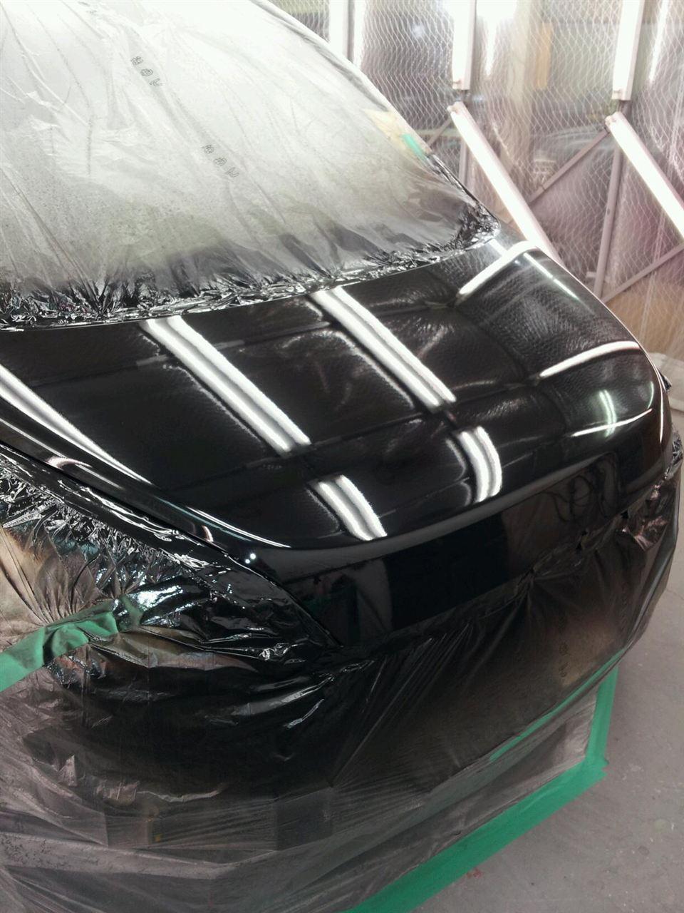 東京都立川市の車の板金塗装修理工場 ガレージローライドのホンダ ステップワゴンの車両保険を使ったいたずらキズの修理 塗装 です。