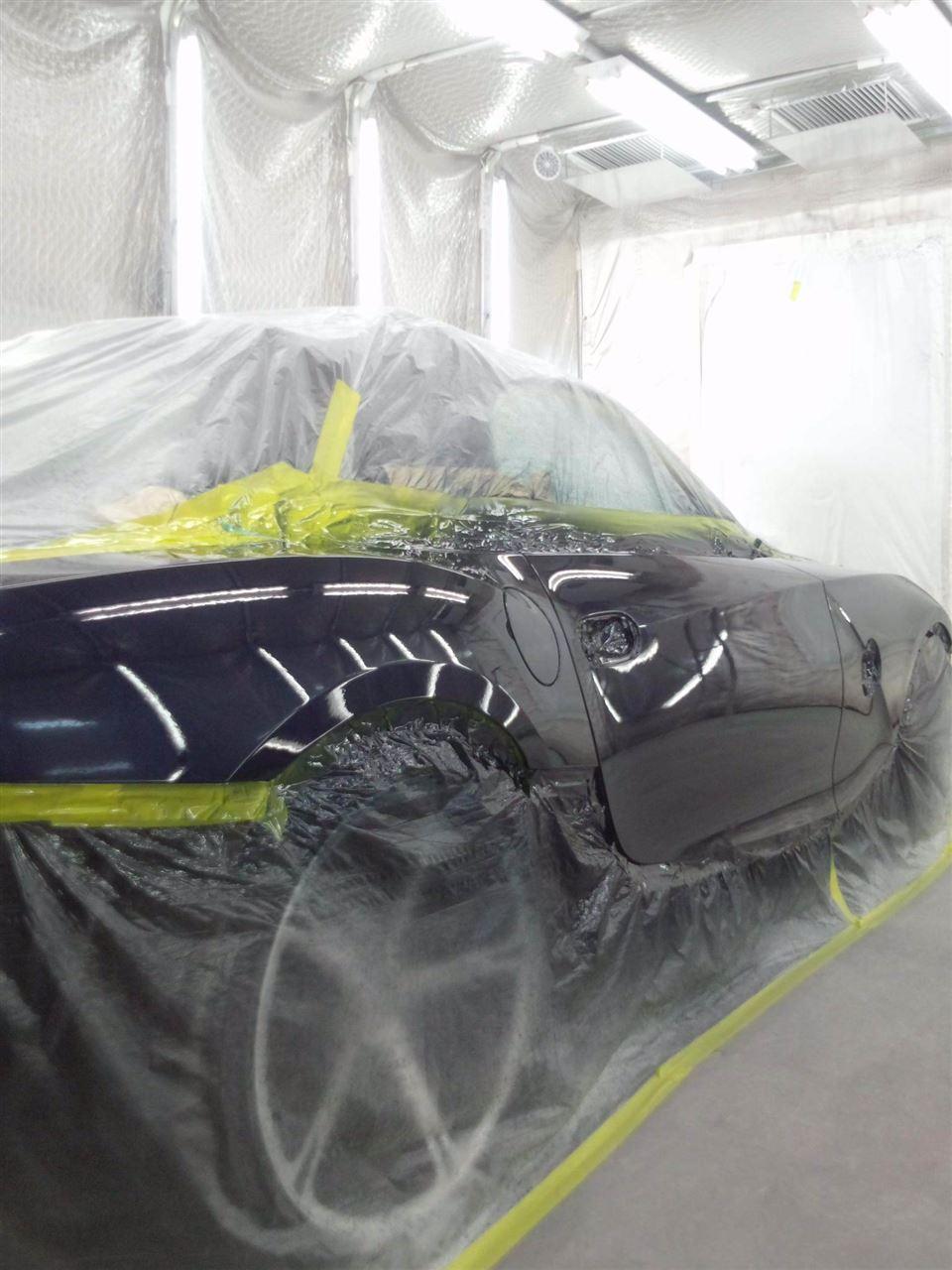 東京都立川市の車の板金塗装修理工場 ガレージローライドのBMW Z4 右側面のキズ へこみ の板金 修理 塗装 です。