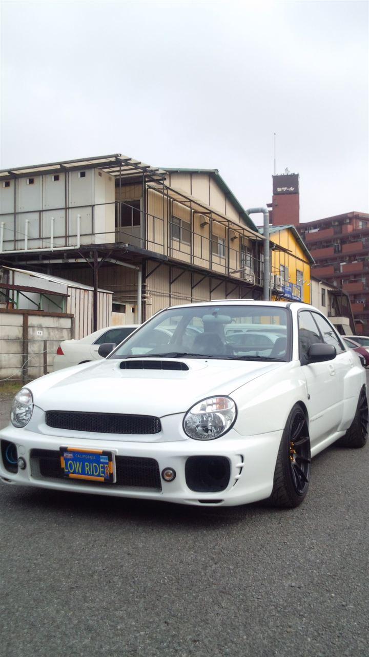 東京都立川市の車の板金塗装修理工場 ガレージローライドのスバル インプレッサのリヤまわりのカスタム 板金 修理 塗装 です。