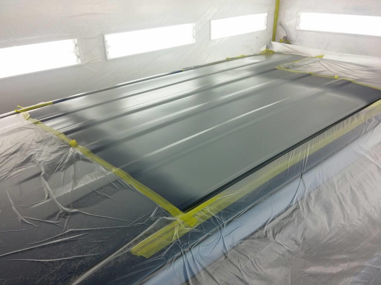 東京都立川市の車の板金塗装修理工場 ガレージローライドのホンダ N-BOXのルーフのキズ へこみ の板金 修理 塗装 です。