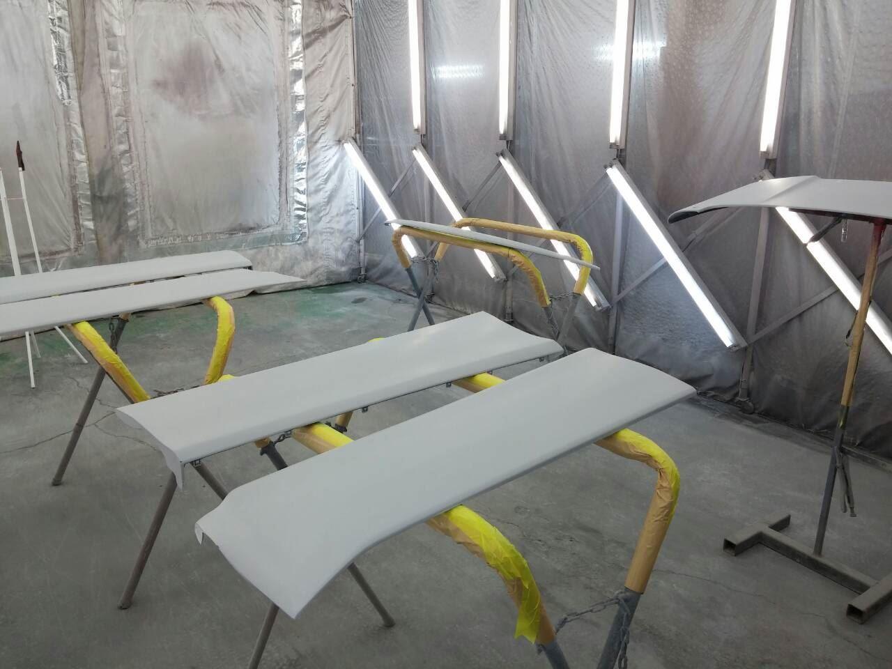 東京都立川市の車の板金塗装修理工場 ガレージローライドのトヨタ エスティマのエアロパーツ塗装・取付 です。