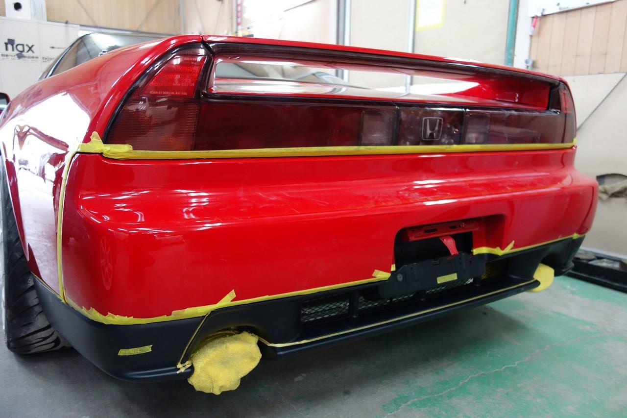 立川市の車の板金塗装修理工場 ガレージローライドのホンダ NSX 持ち込み品エアロパーツ塗装・取り付けです。