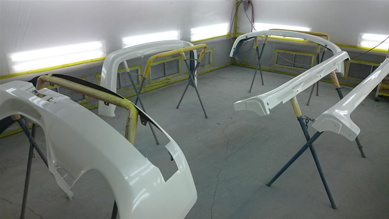 東京都立川市の車の板金塗装修理工場 ガレージローライドのトヨタ ヴェロッサの右前部などのキズ へこみ の板金 修理 塗装 です。