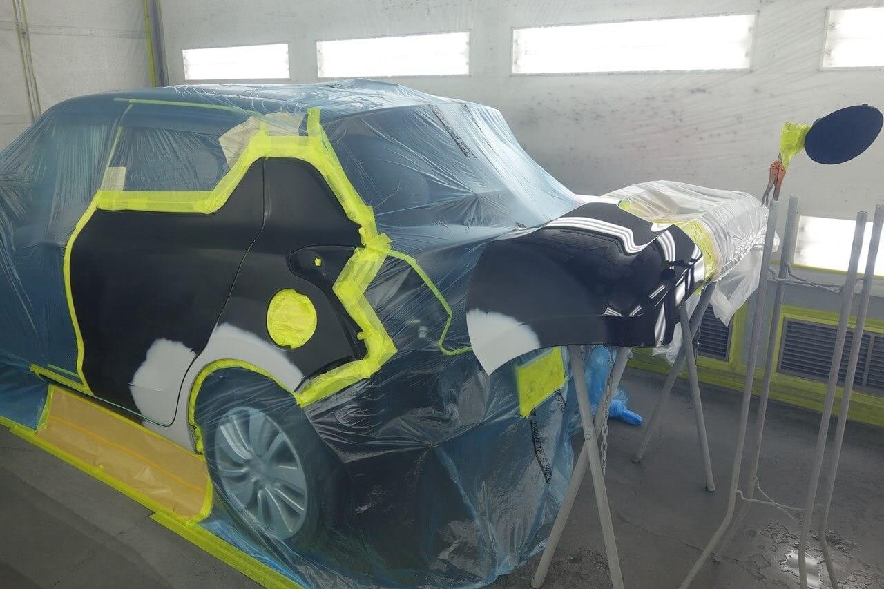 立川市の車の板金塗装修理工場 ガレージローライドのスズキ スイフトの左リヤドア・リヤフェンダのキズ へこみ の板金 修理 塗装 です。